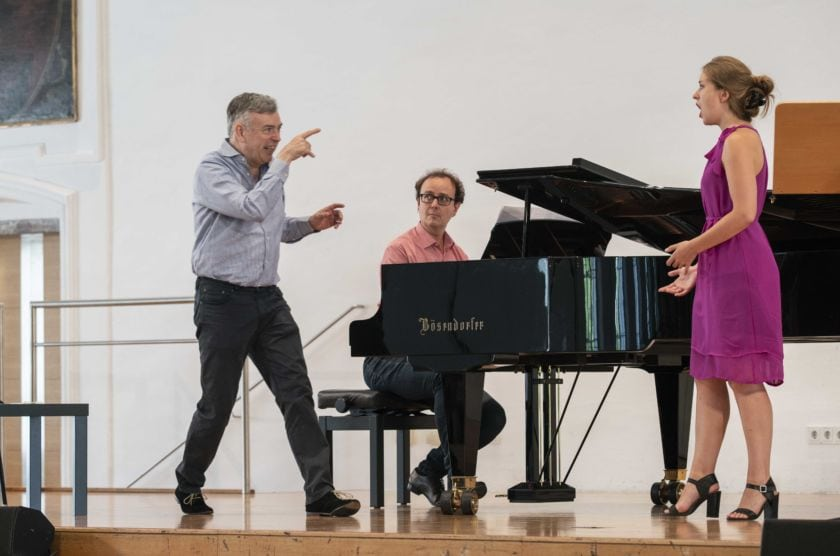 Salzburger Festspiele Public Master Class 2018 Malcolm Martineau Emma Posman