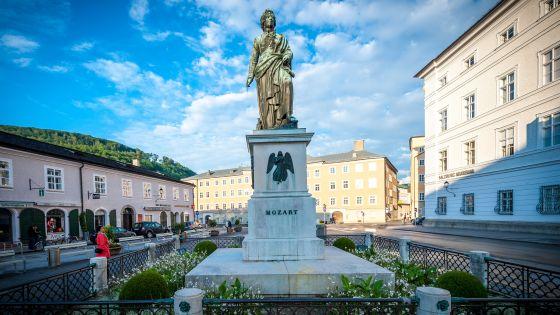 Mozart Monument Mozartplatz Salzburg