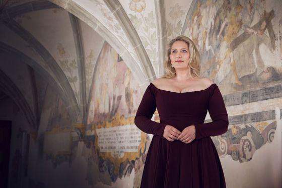 Okka von der Damerau singer mezzo-soprano