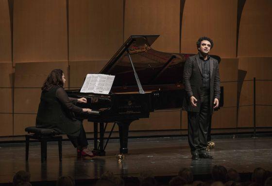 Opera singer Rolando Villazón, Tenor, and Carrie-Ann Matheson at the Piano