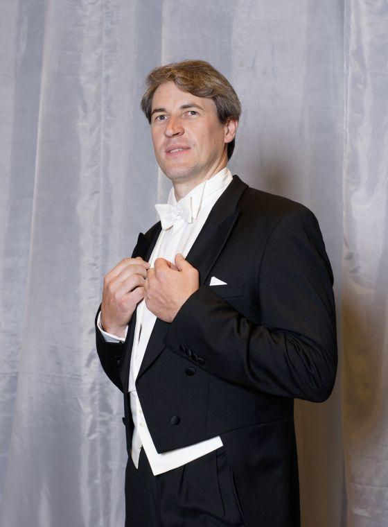 Pavel Kudinov Singer Bass Baritone