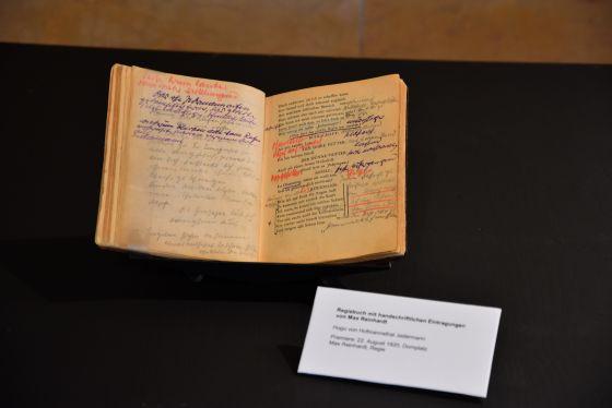 Jedermann-Regiebuch von Max Reinhardt Ausstellung Grosses Welttheater 100 Jahre Salzburger Festspiele