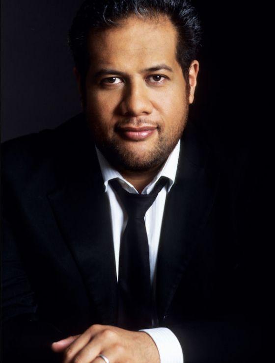 Jonathan Lemalu Sänger
