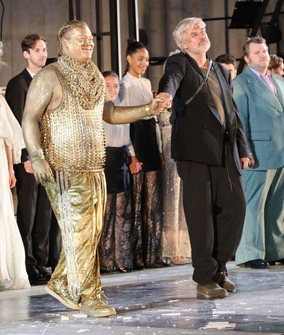 Schlussapplaus Björn Meyer Helmut Mooshammer Christoph Franken Jedermann Salzburger Festspiele 2019