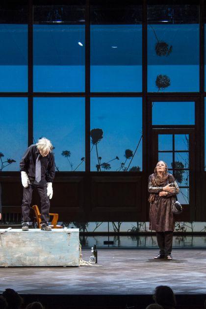 Die Empörten Salzburger Festspiele 2019 André Jung, Caroline Peters, Sven Prietz, Anke Schubert, Silke Bodenbender