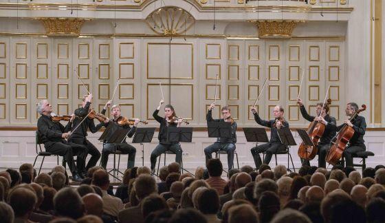 Kammerkonzert Wiener Philharmoniker Salzburger Festspiele 2019 Rainer Honeck, Christoph Koncz, Benjamin Morrison, Adela Frăsineanu, Tobias Lea, Tilman Kühn, Sebastian Bru, Raphael Flieder