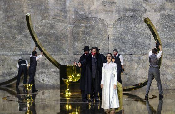 Salome Salzburger Festspiele 2019: John Daszak (Herodes), Asmik Grigorian (Salome)