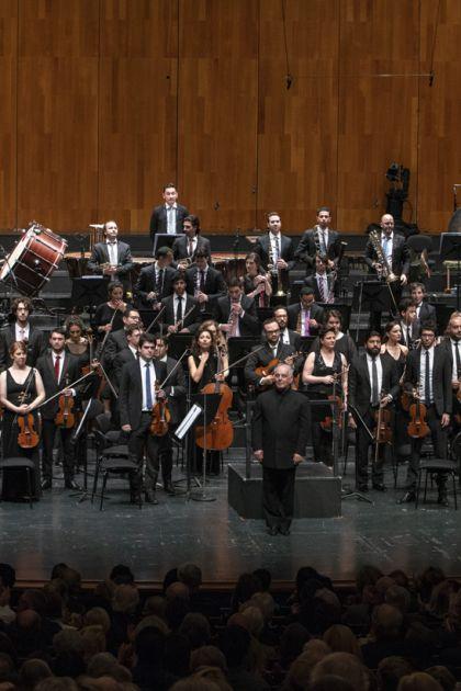 West-Eastern Divan Orchestra 1 · Barenboim Salzburger Festspiele 2019 Daniel Barenboim, West-Eastern Divan Orchestra