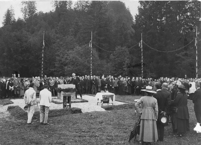 1922_08-19_GRUNDSTEINLEGUNG LEOPOLDSKRON