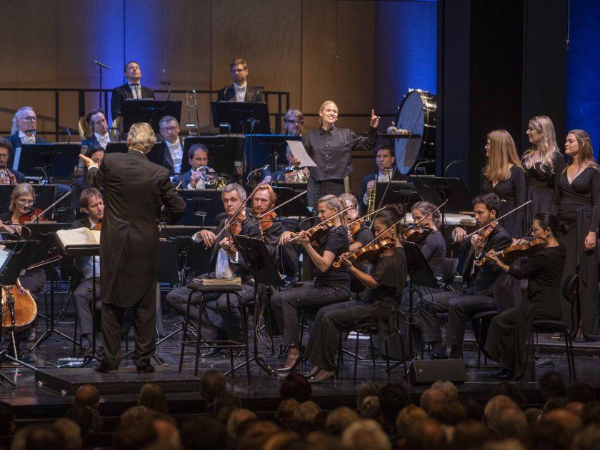 John Eliot Gardiner 2 │ 2021: Camerata Salzburg, John Eliot Gardiner (Dirigent), Mavie Hörbiger (Sprecherin), Monteverdi Choir