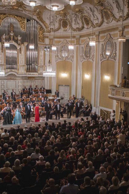 YSP Final Concert - Mozarteum Orchestra Salzburg · Kelly 2021: Mozarteum Orchestra Salzburg, Tobias Hechler (Countertenor), Miriam Kutrowatz (Soprano), Freya Apffelstaedt (Alto), Liubov Medvedeva (Soprano), Sebastian Mach (Tenor), Ikumi Nakagawa (Soprano), Ángel Macías (Tenor), Nikolai Zemlyanskikh (Bass-baritone), Gabriel Rollinson (Bass-baritone), Alexander Köpeczi (Bass)