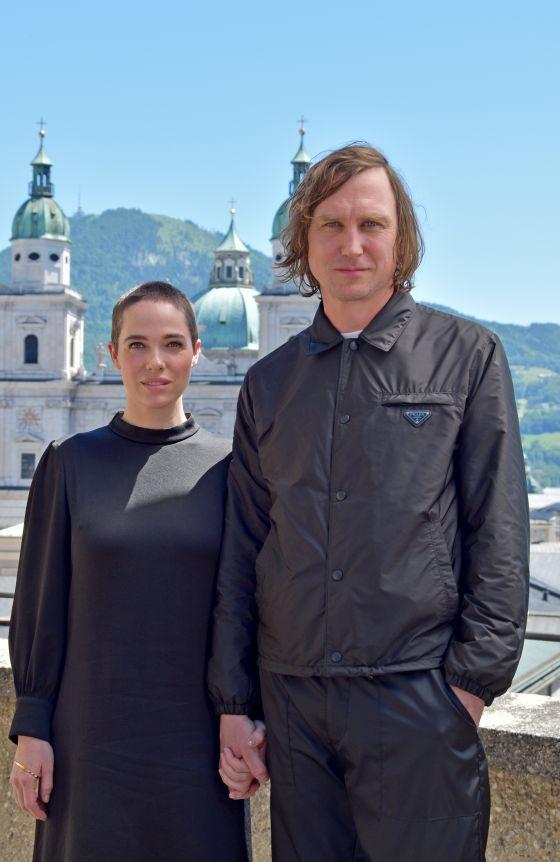Verena Altenberger (Buhlschaft), Lars Eidinger (Jedermann)