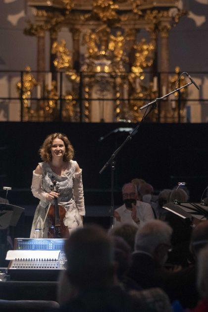La lontananza – Kopatchinskaja · Richard 2021: Patricia Kopatchinskaja (Violin), André Richard (Sound direction)