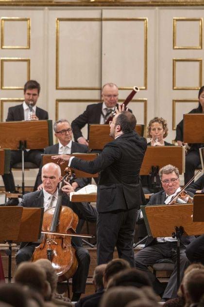 Missa in tempore belli – Mozart-Matinee Minasi 2021: Elbenita Kajtazi (Sopran), Riccardo Minasi (Dirigent), Tobias Moretti (Sprecher), Mozarteumorchester Salzburg