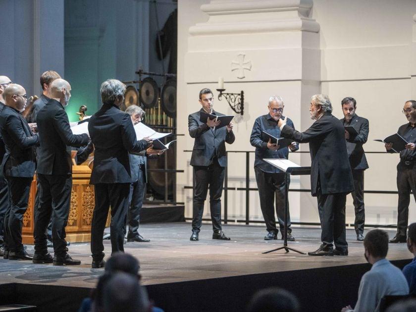 Officium defunctorum — Capella Reial · Hespèrion XXI · Savall · Klangforum Wien · Heras-Casado 2021: Jordi Savall (Conductor), La Capella Reial de Catalunya