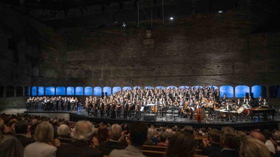 War Requiem – Gustav Mahler Jugendorchester · ORF Radio-Symphonieorchester Wien · Wiener Singverein · Gražinytė-Tyla 2021: Gustav Mahler Jugendorchester, ORF Radio-Symphonieorchester Wien, Salzburger Festspiele und Theater Kinderchor, Wiener Singverein
