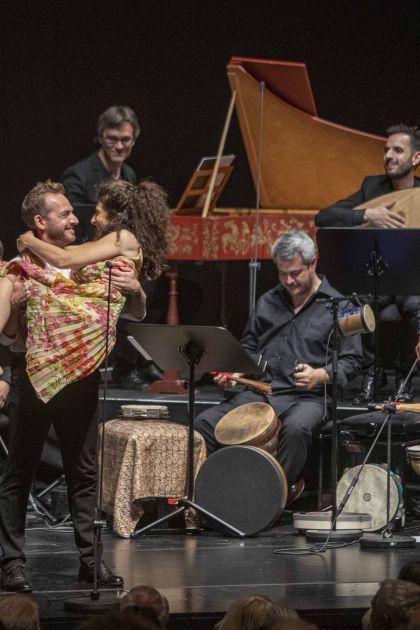 Alla Napoletana — Christina Pluhar · L'Arpeggiata 2021: Vincenzo Capezzuto (Altus), Anna Dego (Tänzerin), L'Arpeggiata