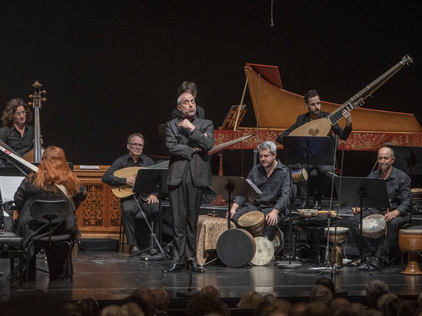 Alla Napoletana — Christina Pluhar · L'Arpeggiata 2021: Christina Pluhar (Theorbe / Musikalische Leitung), João Fernandes (Bass), L'Arpeggiata