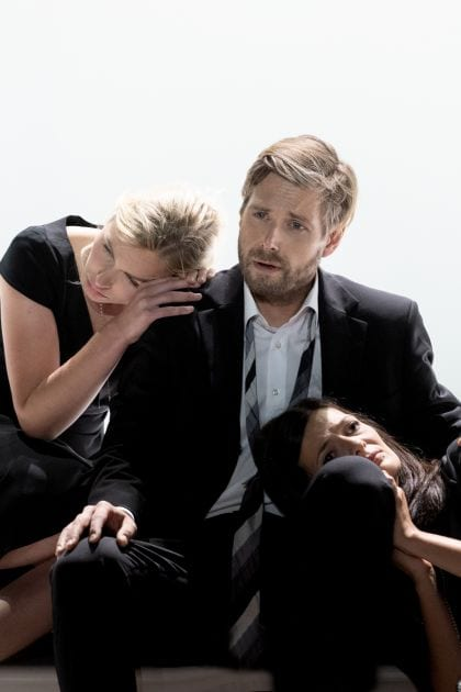 Così fan tutte 2021: Elsa Dreisig (Fiordiligi), Michael Nagy (Don Alfonso), Marianne Crebassa (Dorabella)