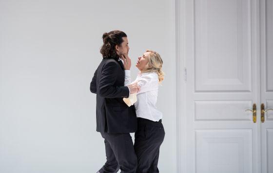 Così fan tutte 2021: Andrè Schuen (Guglielmo), Elsa Dreisig (Fiordiligi)