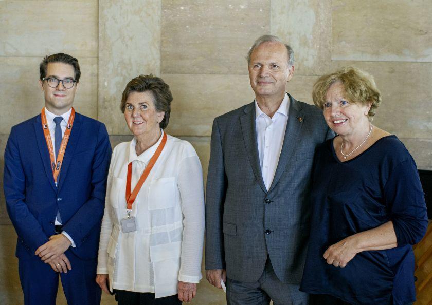 Lukas Crepaz, Kaufmännischer Direktor, Helga Rabl-Stadler, Festspiel-Präsidentin, Josef Schlömicher-Thier mit seiner Frau Luise.