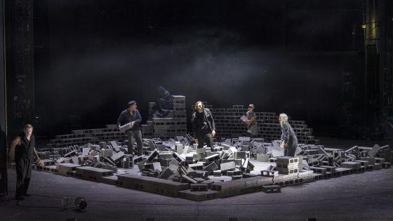Das Bergwerk zu Falun 2021: André Jung (Der alte Torbern), Edmund Telgenkämper (Fischer/Pehrson Dahlsjö), Sylvana Krappatsch (Die Bergkönigin/Der Knabe Agmahd), Marcel Kohler (Elis Fröbom), Lea Ruckpaul (Anna/Der Knabe Agmahd), Hildegard Schmahl (Fischerin/Ilsebill/Großmutter)