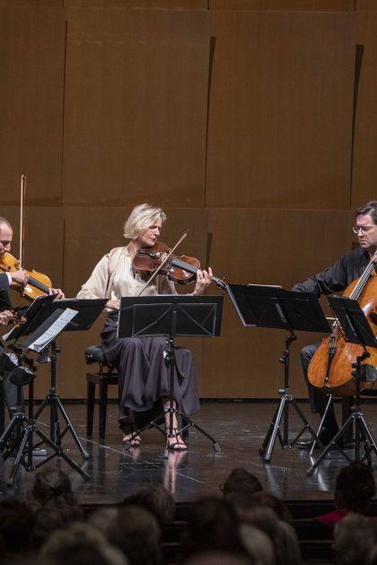Christian Gerhaher & Friends 2021: Anne Katharina Schreiber (Violin), Isabelle Faust (Violin), Antoine Tamestit (Viola), Danusha Waskiewicz (Viola), Christian Poltéra (Violoncello), Jean-Guihen Queyras (Violoncello)