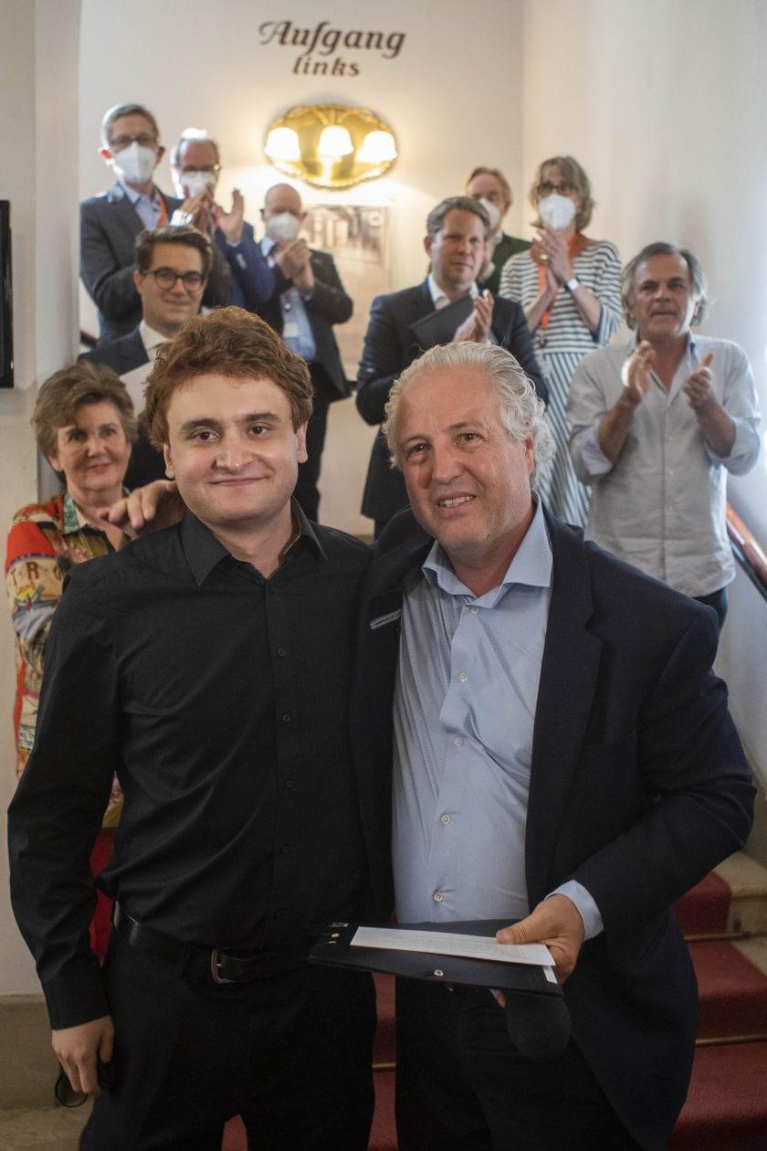 Joel Sandelson ist Preisträger des Herbert von Karajan Young Conductors Award 2021