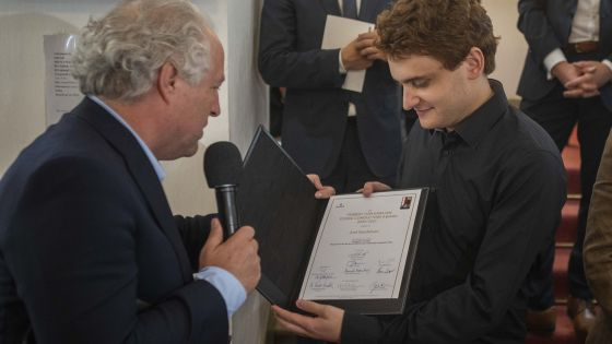 Joel Sandelson is the winner of the 2021 Herbert von Karajan Young Conductors Award.