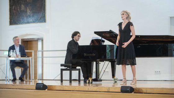 Öffentliche Meisterklasse · Martineau 2021: Malcolm Martineau, Andrea del Bianco (Klavier), Miriam Kutrowatz (Sopran)