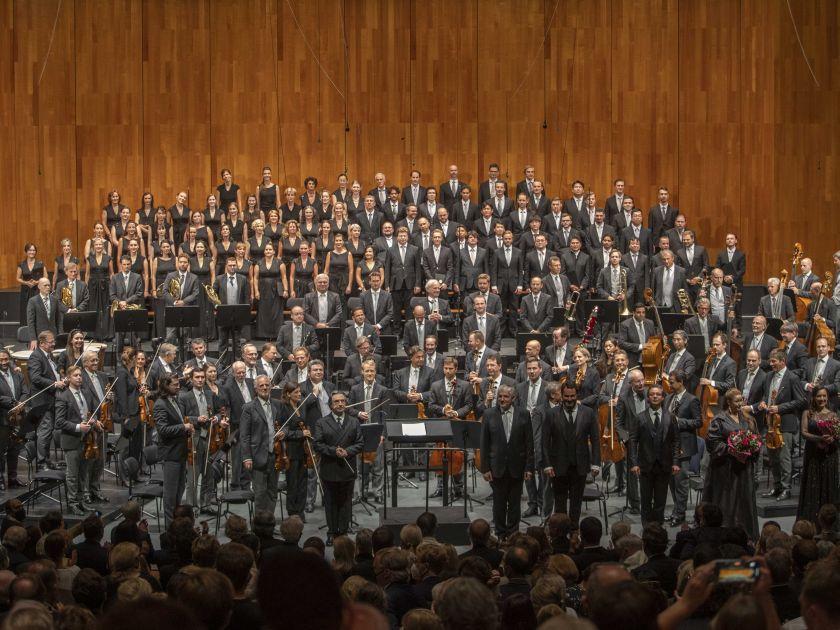 Vienna Philharmonic · Muti 2021: Riccardo Muti (Conductor), Ernst Raffelsberger (Chorus Master), Ildar Abdrazakov (Bass), Dmitry Korchak (Tenor), Alisa Kolosova (Contralto), Rosa Feola (Soprano), Concert Association of the Vienna State Opera Chorus, Vienna Philharmonic